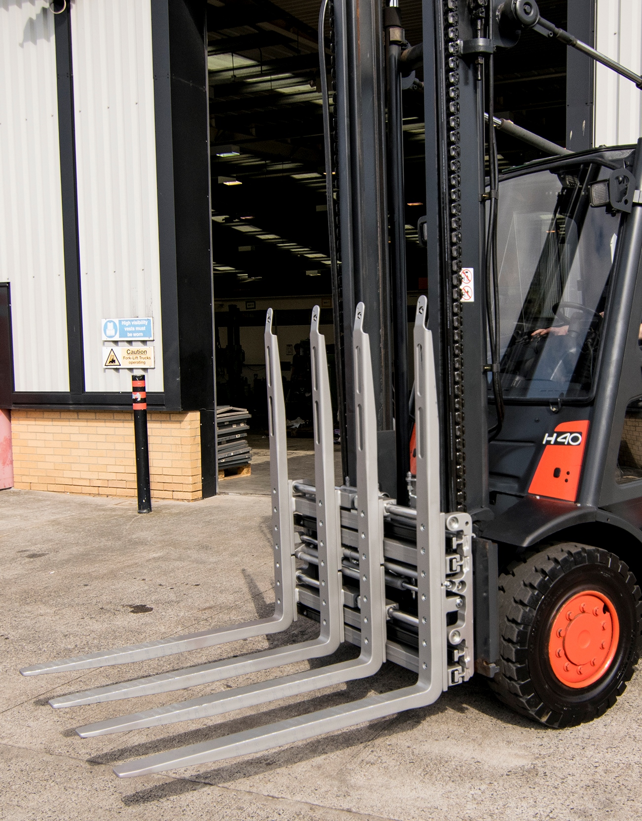 The New KAUP Double Pallet Handler to be Displayed at IMHX